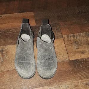 Boy's Brown Zipper UGG Boots Toddler Size 10